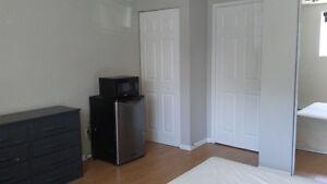 Chambre meublé plus petit frigo et micro onde