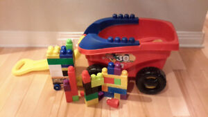 Blocs type Megabloks avec chariot