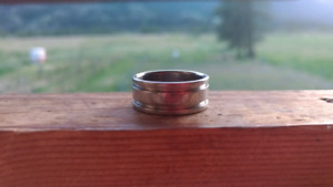 Mens plain silver ring