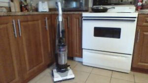 Bissell Vac  Like New !  $25 NICE !