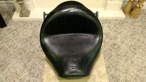 Mustang Vintage Wide Touring Seat for Honda VTX