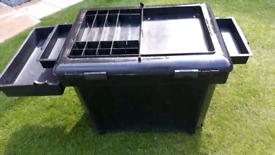 Fishing seat/tackle box