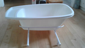 Extra Large Baby Bath Tub with Metal Rack