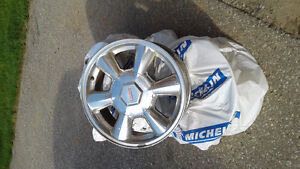 "4 used 17"" aluminum rims GM Envoy"