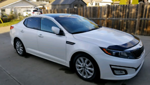 2014 Kia Optima EX+ Luxury low kms reduced
