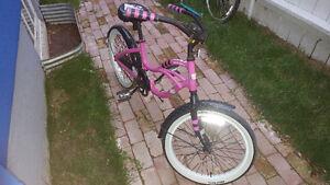 Super cute Hello Kitty cruiser bike