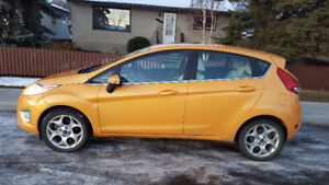 2011 Ford Fiesta Low Km Loaded Leather $6950  Call 780-919-5566