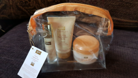 BNIB No7 Summer Skin Pre Sun Treatment Kit