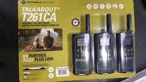 BINB 3 pack  Motorola walkie-talkies  40km range, weather alerts