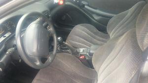 2000 Pontiac Sunfire Coupe (2 door)please call 7782146434
