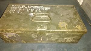 2 boites metal style antique