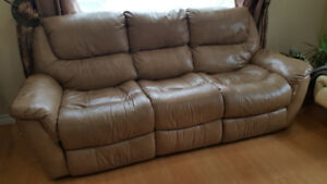 <<<<< comfortable leather reclining  sofa>>>>>>