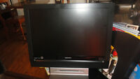 2007 COMBINED MAGNAVOX TV/DVD MACHINE FOR SALE