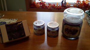 Sales Price for Christmas (Lilac Candles Gift Set) Kingston Kingston Area image 3