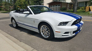 2014 Ford Mustang Convertible need room must go