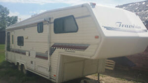 1993 Travelair 28.5 ft sleeps 6, fifth wheel good condition