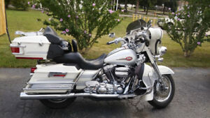 Beauty HD CVO, **$18,000 OR BO, Need the space in Garage