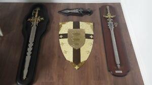 décoration médiéval ( épées et bouclier )