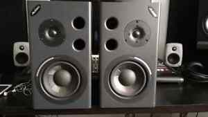 Alesis MK2 speakers in A-1 condition