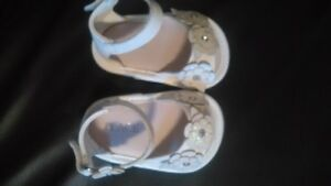 Baby Girl-Children Place store  White slippers