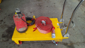 MQ Submersible pumps w discharge hose
