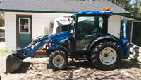 Tractor Holland Backhoe 45 HP