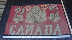 Antique hooked rug with Canada Motif West Island Greater Montréal image 1