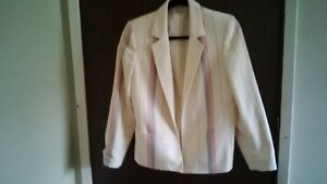 NICE LADY SUIT 35% WOOL & 65% POLYESTER