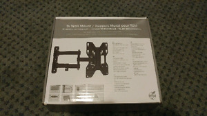Heavy duty wall mount