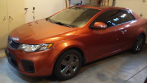 2010 KIA FORTE KOUPE in excellent condition, well maintained, he