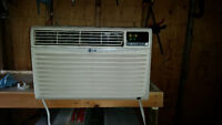 LG Window Air Conditioner - 10,000 BTUs