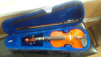 4/4 Menzel Violin with carrying case