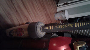 Eureka altima vacumn with telescopic self cleaning duster 60.00 St. John's Newfoundland image 3