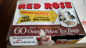 RED rose tea figures