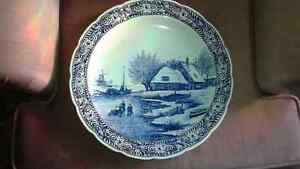 delft blue handpainted decorative plate royal sphinx maastricht