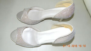 Gorgeous pink sparkle shoes, brand new and never worn