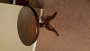 Solid wood accent table