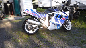 1992 gsxr 1100 very fast very rare bike