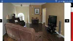 Upper Level 3 Bedroom 2 bathroom available for Rent