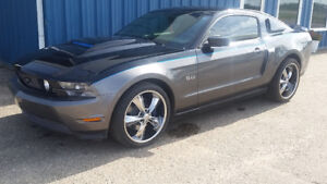 "REDUCED""A REAL LOOKER"" 2011 Ford Mustang GT COUPE  (2 door)"