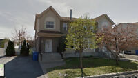 """Brossard""""O""""sector, Semi-detached with swimming pool for rent"""