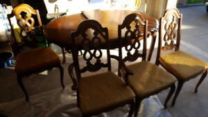 Classic Dining Room Table & Chairs