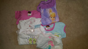 Size 4 pjs toddler 3$/ all