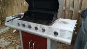 4 burner BBQ with side warmer