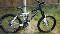 Kona Stinky Med Frame Mountain Bike Like New Condition