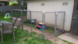 Kennel. 7x7x5H or open 13x7 $300