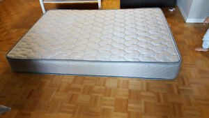 SECTIONAL + TV SAMSUNG+ Mattress Double in GOOD condition for