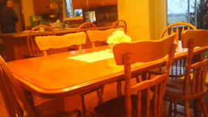dining table, hutch and 3 bar stools Windsor Region Ontario image 1
