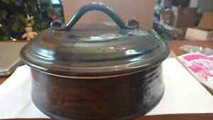 Pottery casarole dish with lid