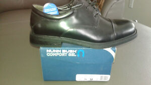 Mens Oxford style dress shoes